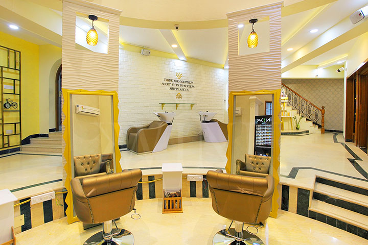 WINK Unisex Salon